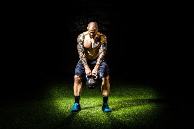 10 Übungen, die Sie in kürzester Tempus uff  den Wegstrecke zu einem stärkeren Rücken darüber hinaus Schultern erwirtschaften